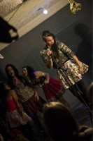 Coletivo Metaxis se apresentando no Cabaret D'água. Foto: Ramilla Souza